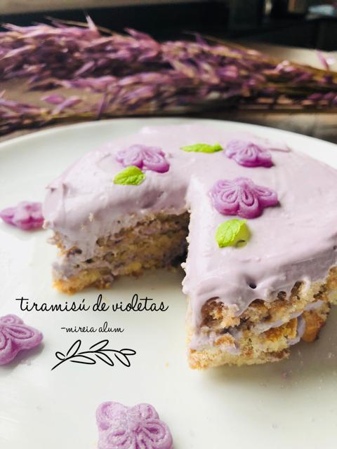 tiramisú de caramelos de violeta