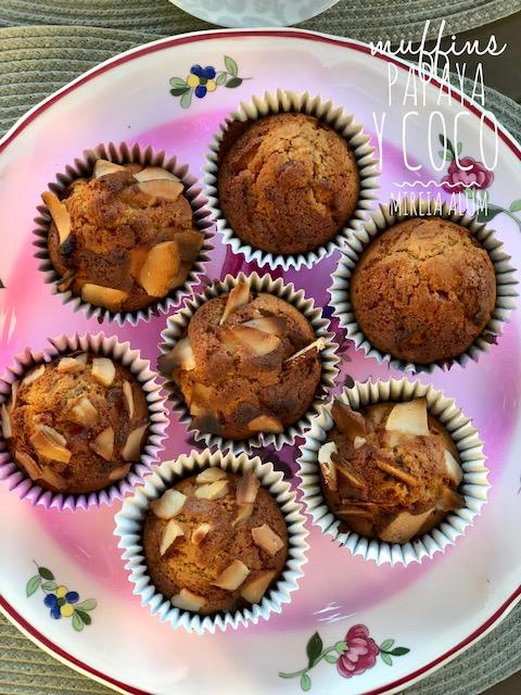 muffins integrales de coco y papaya