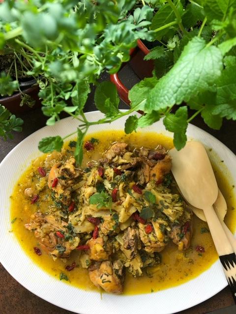 pollo con bayas de goji y brocoli