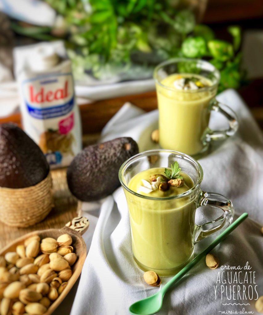crema de aguacate y pistachos