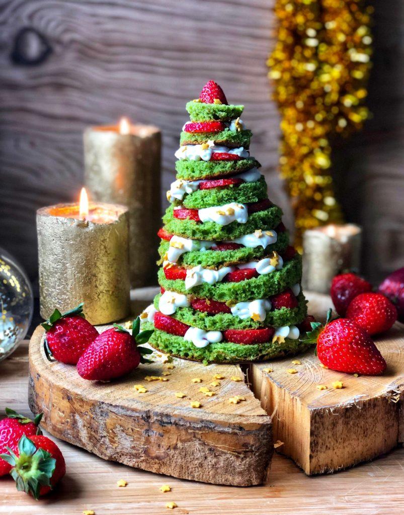 Tarta árbol de Navidad de chocolate blanco y pistachos