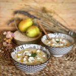 Sopa fría de pera y pepino con queso feta